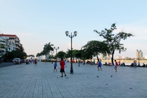 Phnom Penhin rantabulevardi.