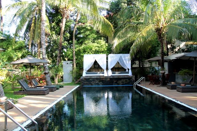 Suorkear Villan yleinen uima-allasalue.