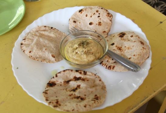 veganin-chapatit-ja-hummus