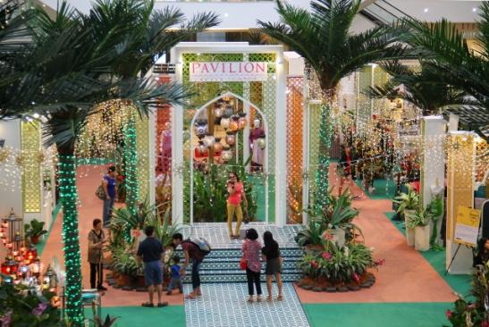 Heinäkuussa 2015 Pavilionin ostoskeskus oli koristeltu muslimien eid-juhlan kunniaksi.